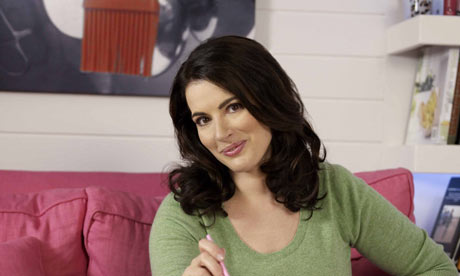 Nigella-Lawson-promoting--002[1]